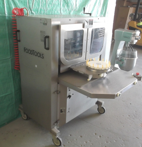 Foodtools Round Cake Slicer Model Cs 2000 With Depanner